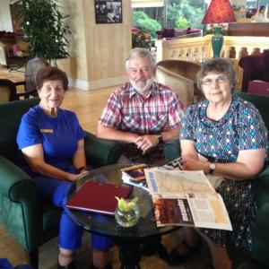 Members fro S.I. Goulburn, Australia with Don, a Soroptimister!